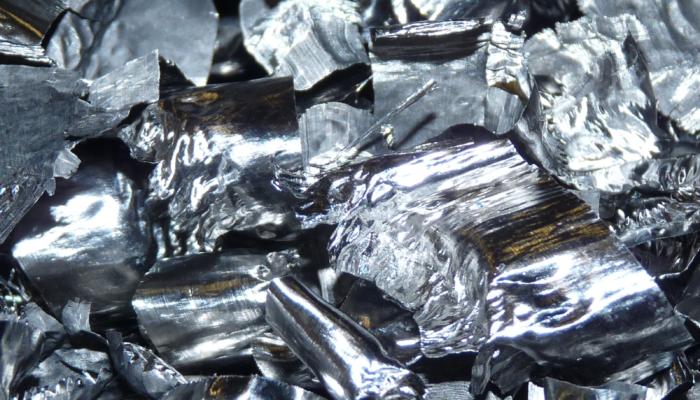 Copeaux de titane revalorisé avec la technologie Dense Fluid Degreasing