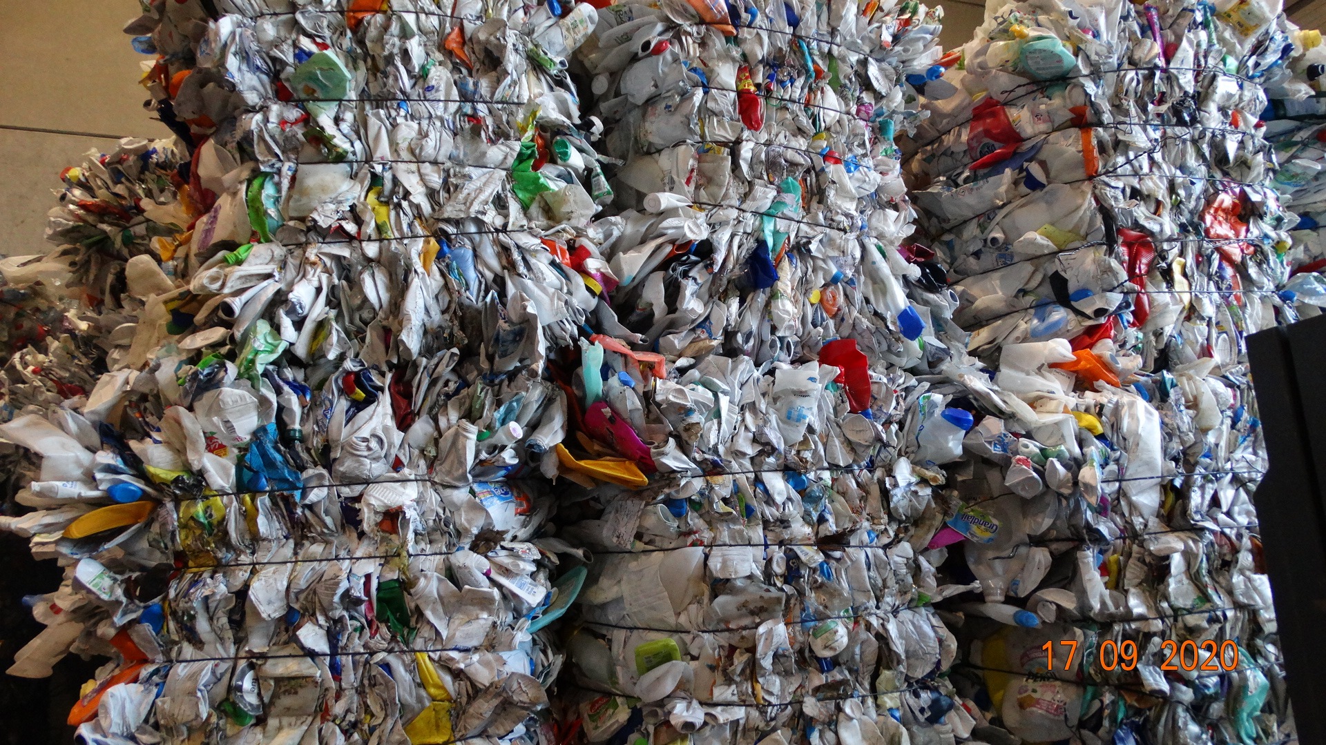 Various plastics awaiting recycling with the supercritical CO2 treatment process of the company Dense Fluid Degreasing