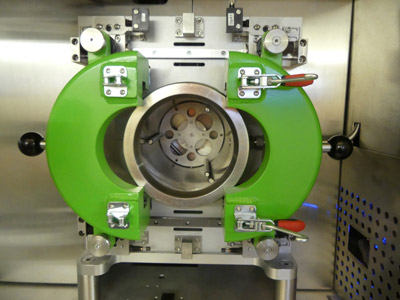 Front view of an autoclave of a Dense Fluid Degreasing supercritical CO2 cleaning machine